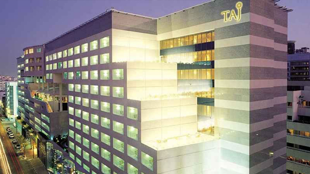 Taj hotel in dubai a luxury center for Best hotels in dubai 2015