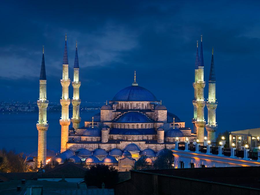 Blue Mosque (Sultan Ahmet Camii), Istanbul, Turkey